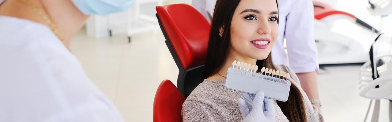 f55f6e3b2 Facetas ou Lentes de contato dentárias? Quais são as diferenças e ...